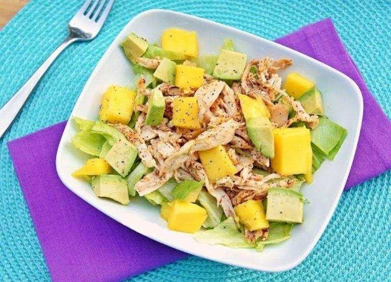 Ensalada de pollo con mango y aguacate - VIDA CON SALUD